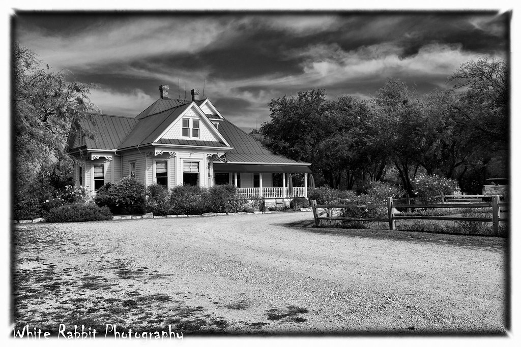 Kingsland texas texas chainsaw massacre house 2 0 for The texas house