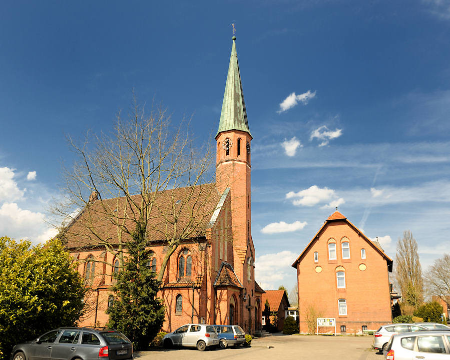 3427 Katholische Kirche Zum göttlichen Erlöser in Uelzen