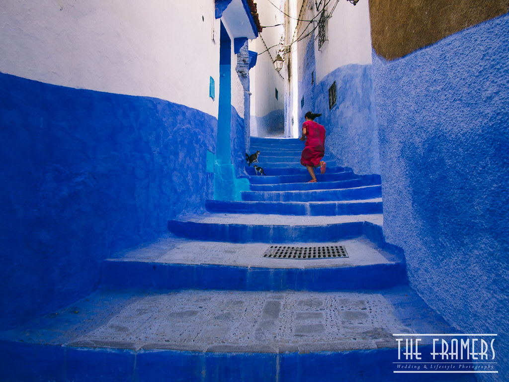 A Walk With The Blues More Here Facebookcom Theframe Flickr Bargaz Dark Blue By Rodrigo Vargas