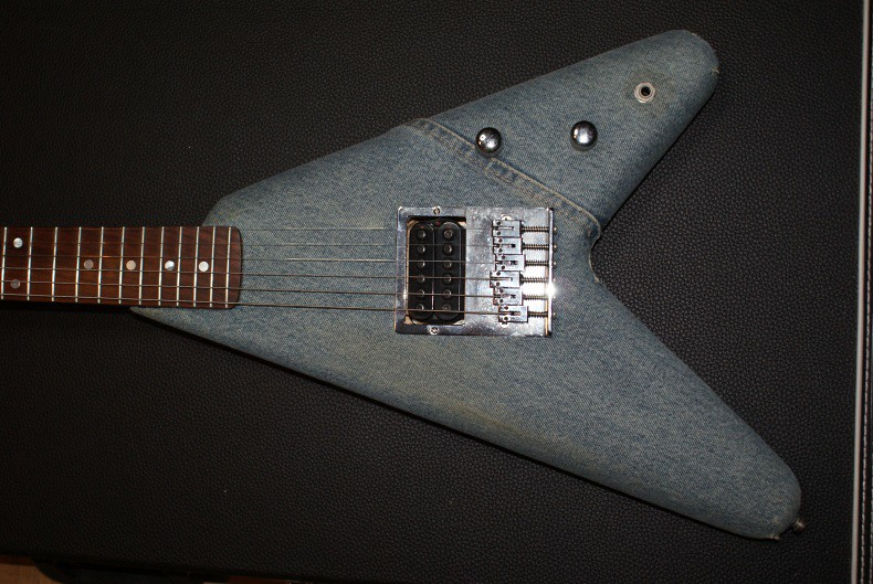 Guitares de légende 29506118990_9b762f1d5b_b
