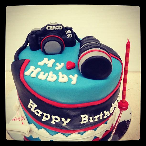 Cake Design For Husbands Birthday : #cameracake for Hubby Birthday #cakeart #fondant #husband ...