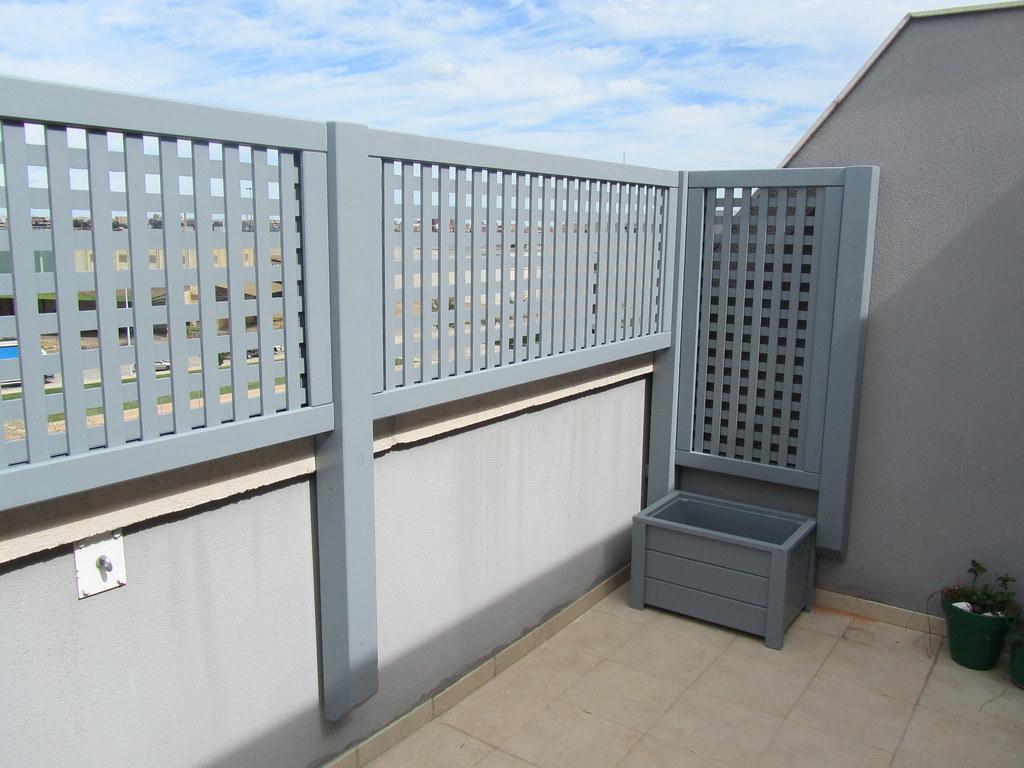 Celos as de madera para terraza la instalaci n de for Celosia de madera para jardin