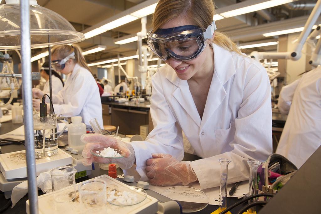 Университет связанный с химией