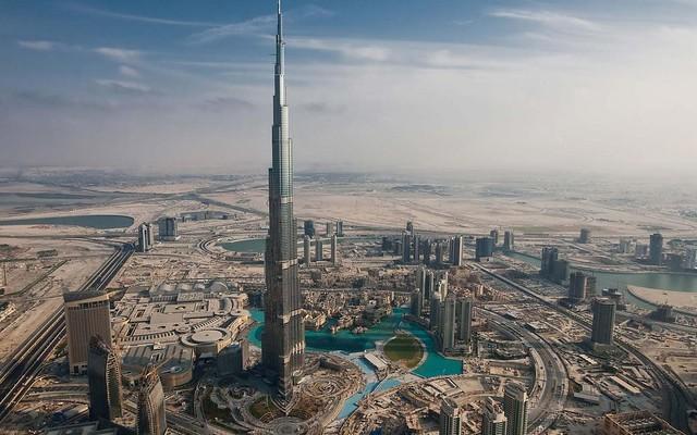 Burj-Khalifa-Dubai-Arab-Emirates-1800x2880