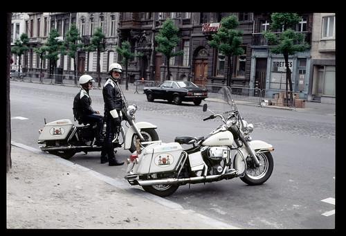 1984 Avenue de Stalingrad, Bruxelles, motards de la police de Bruxelles
