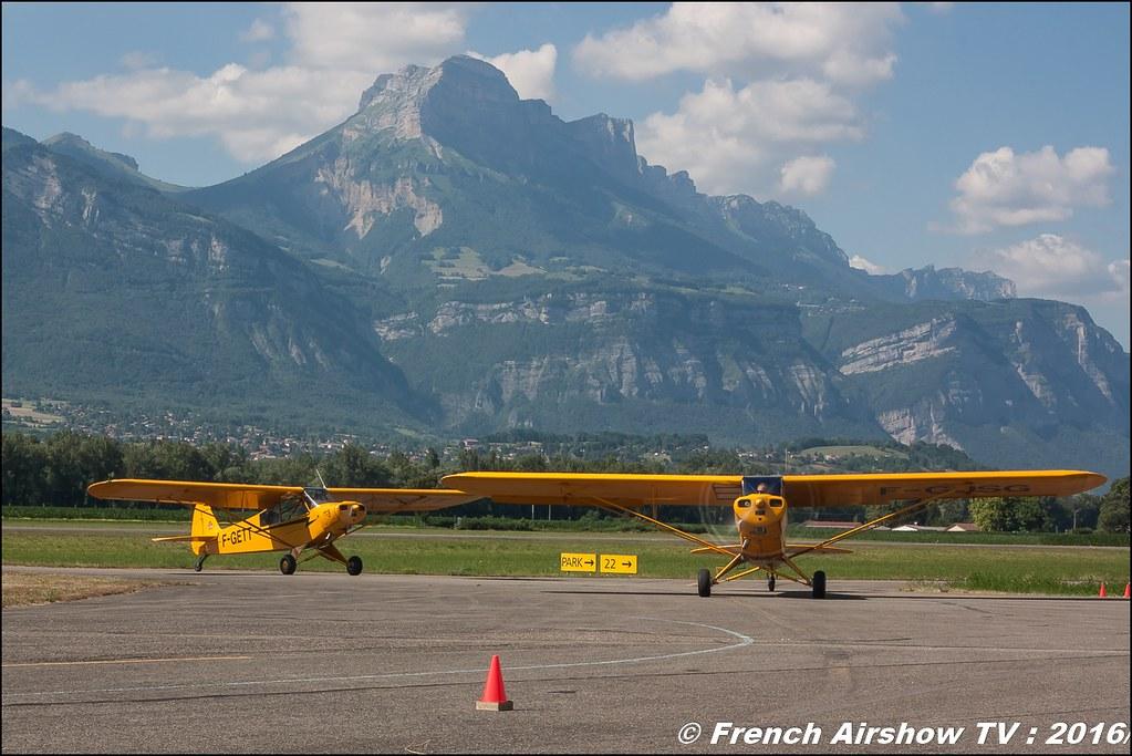 Yellow Piper Team ,ACHR , piper cub , F-GJSG , F-GETT ,Grenoble Air show 2016 , Aerodrome du versoud , Aeroclub du dauphine, grenoble airshow 2016, Rhone Alpes