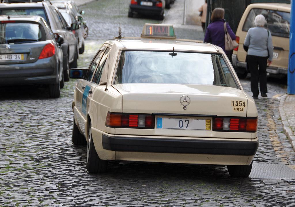 Mercedes benz 190 taxi lisbonne portugal baffalie for Mercedes benz pt