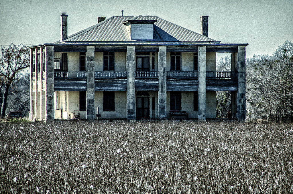 Hewitt house texas chainsaw massacre jason bo flickr for The texas house