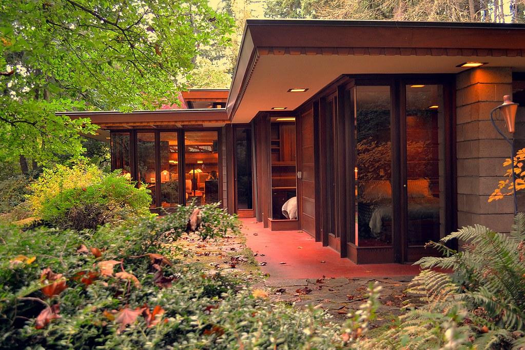 Frank lloyd wright 39 s barnes house exquisite usonian for Frank lloyd wright modular homes