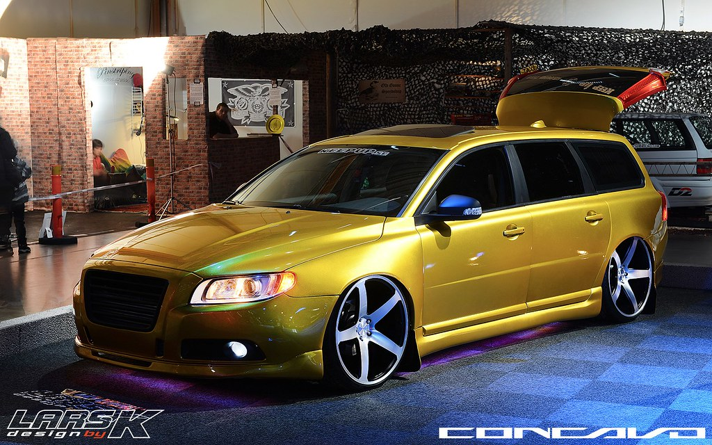 Volvo V70 Widebody On 22 Quot By 10 5 Concavo Cw 5 Custom Buil