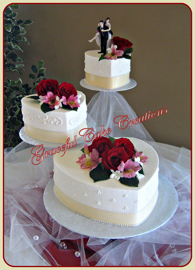 Small Wedding Cake Heart Shape Decoration