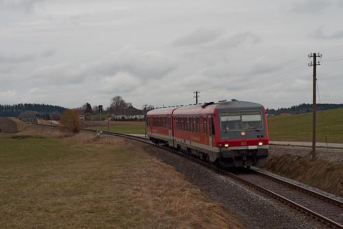 628 586 ist östlich von Tulling in Richtung Grafing unterwegs.