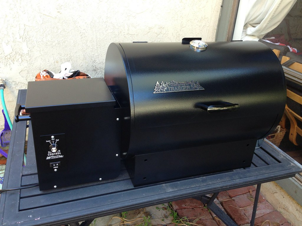Traeger wood pellet smoker BBQ grill   Pick up the small ...