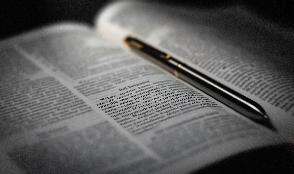 Holy Bible / Alkitab (Indonesia)   Flickr - Photo Sharing!