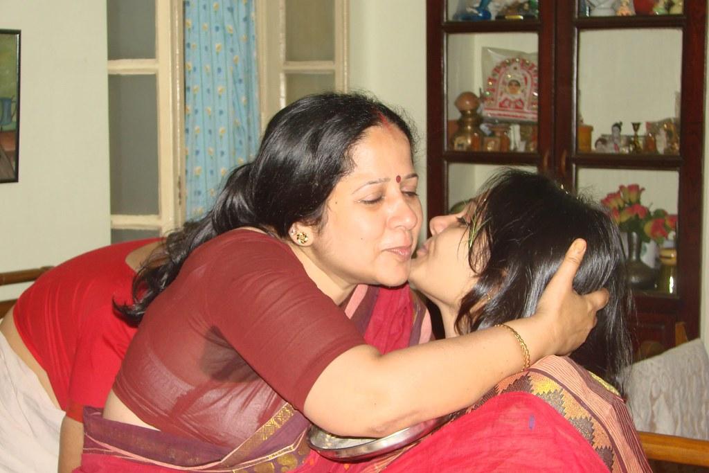 Aunty blouse back photo