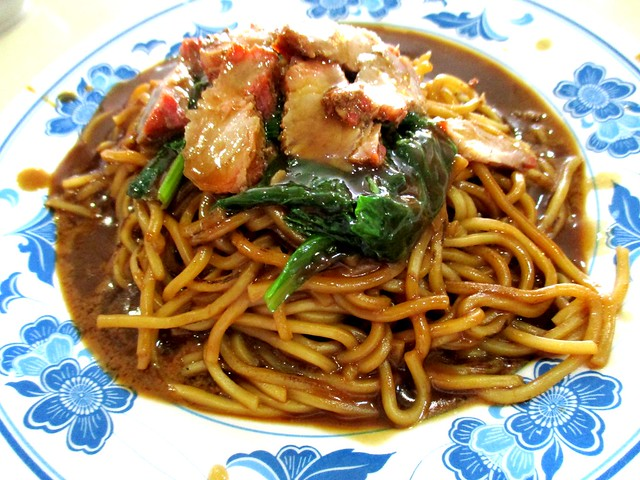 Y2K Foochow fried noodles with added char siew