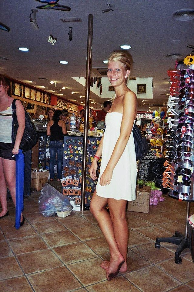 Female Shopping, Nice Dirty Feet!! | Just_go_Barefoot | Flickr
