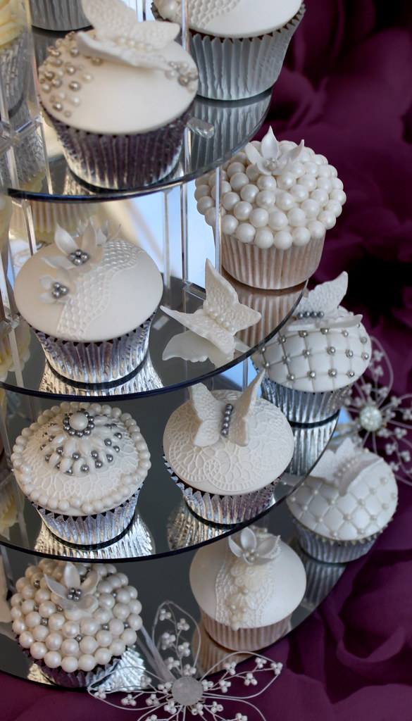 Wedding Cupcakes In Pearl And Lace Lynette Brandl Flickr
