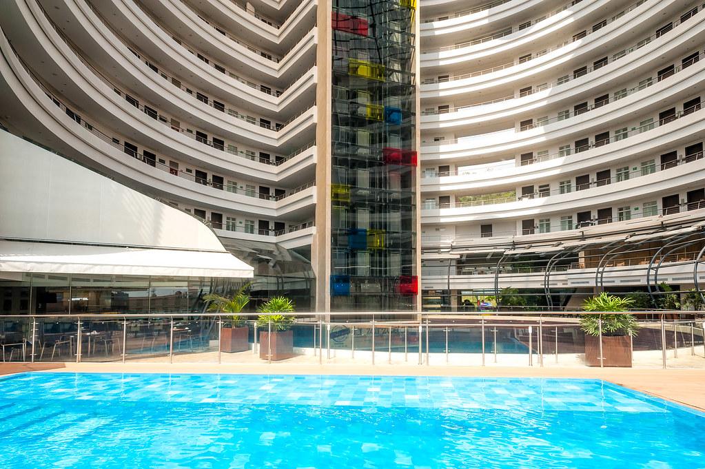 Piscina hotel spiwak cali colombia piscina 2013 for Piscina hotel w santiago