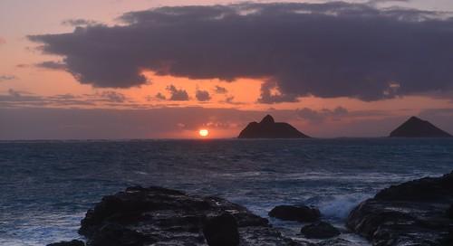 Na Mokulua Hawaii: Woke Up At An Ungodly Hour On A