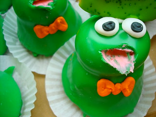 Frog Cupcakes, Whats for Dessert, Spring Lake Heights NJ | by cakespy