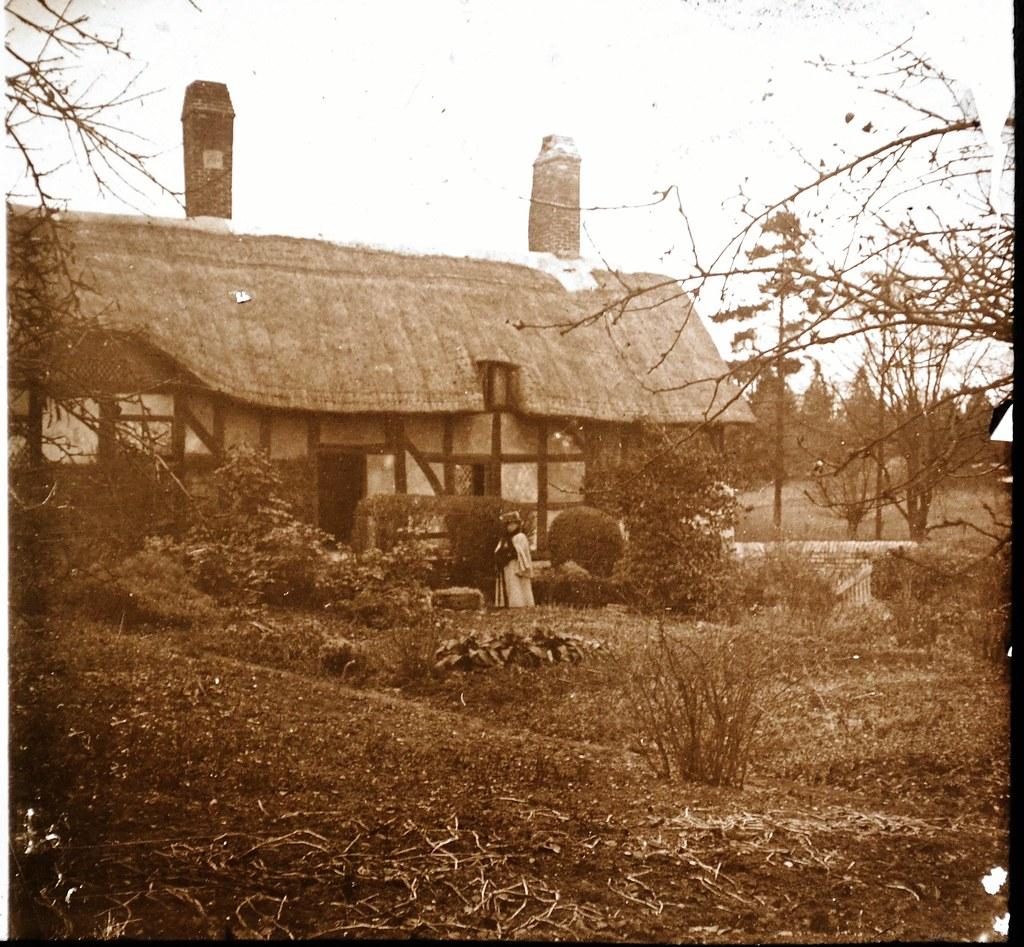 Anne Hathaway's Cottage, Stratford 1910s L