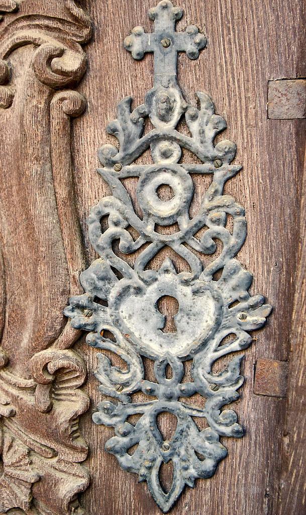 Baroque door detail szentendre belgrad cathedral serb for Baroque door handles