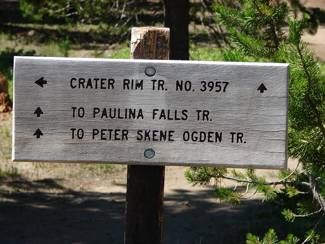 Trail sign along the Crater Rim Trail