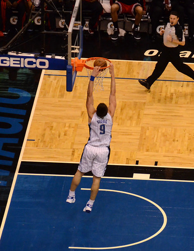 Nik Vucevic Dunk | by jrg1975
