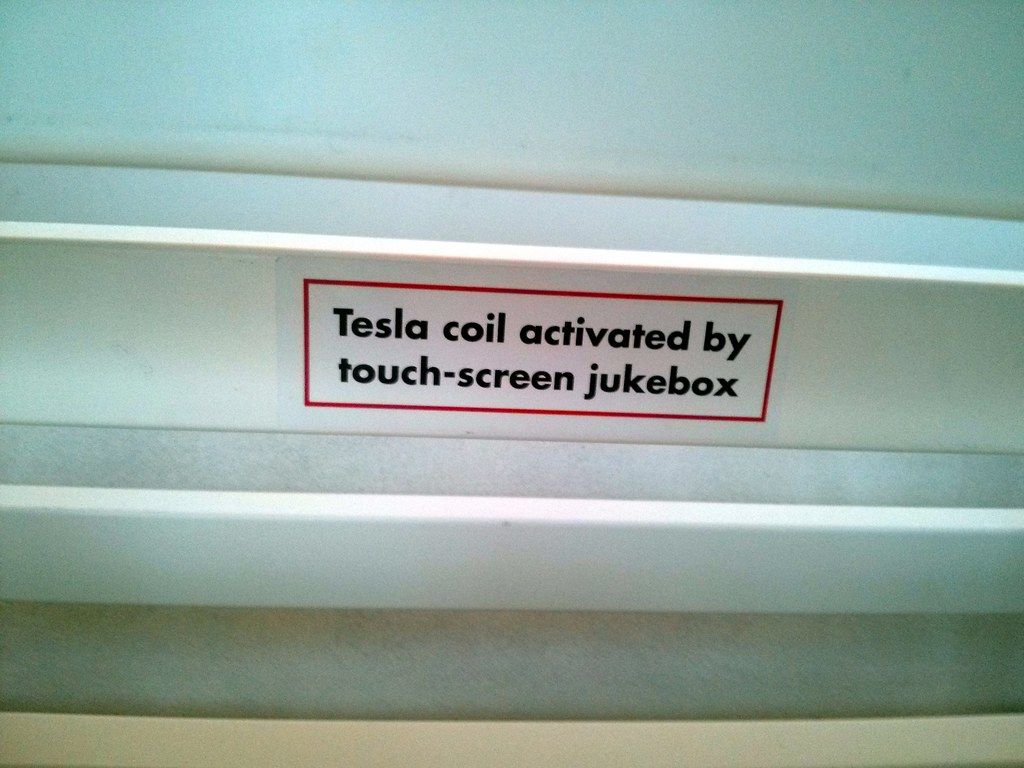 Touch Free Tesla Model S Home Car Wash Equipment