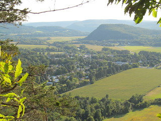 Middleburgh village and Vroman's Nose from The Cliff | by ke9tv