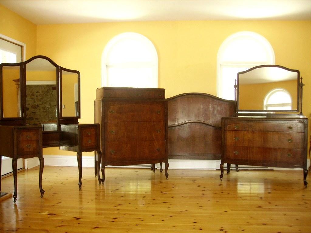 Available now 4 piece antique 1930s bedroom suite set visi flickr for Vintage bedroom suite