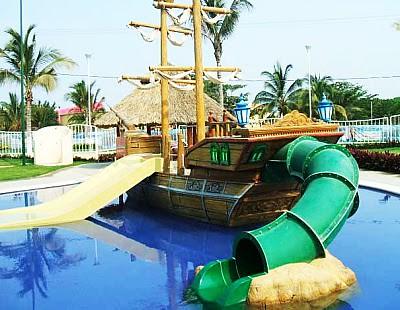 Barco pirata dise o de parques acu ticos barco pirata co for Toboganes para piscinas