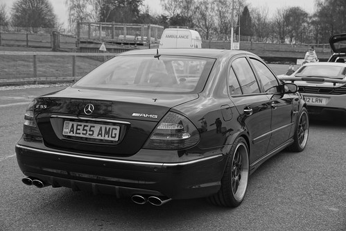 Mercedes benz e55 amg kompressor v8 2006 f1jherbert flickr for Mercedes benz v8 kompressor