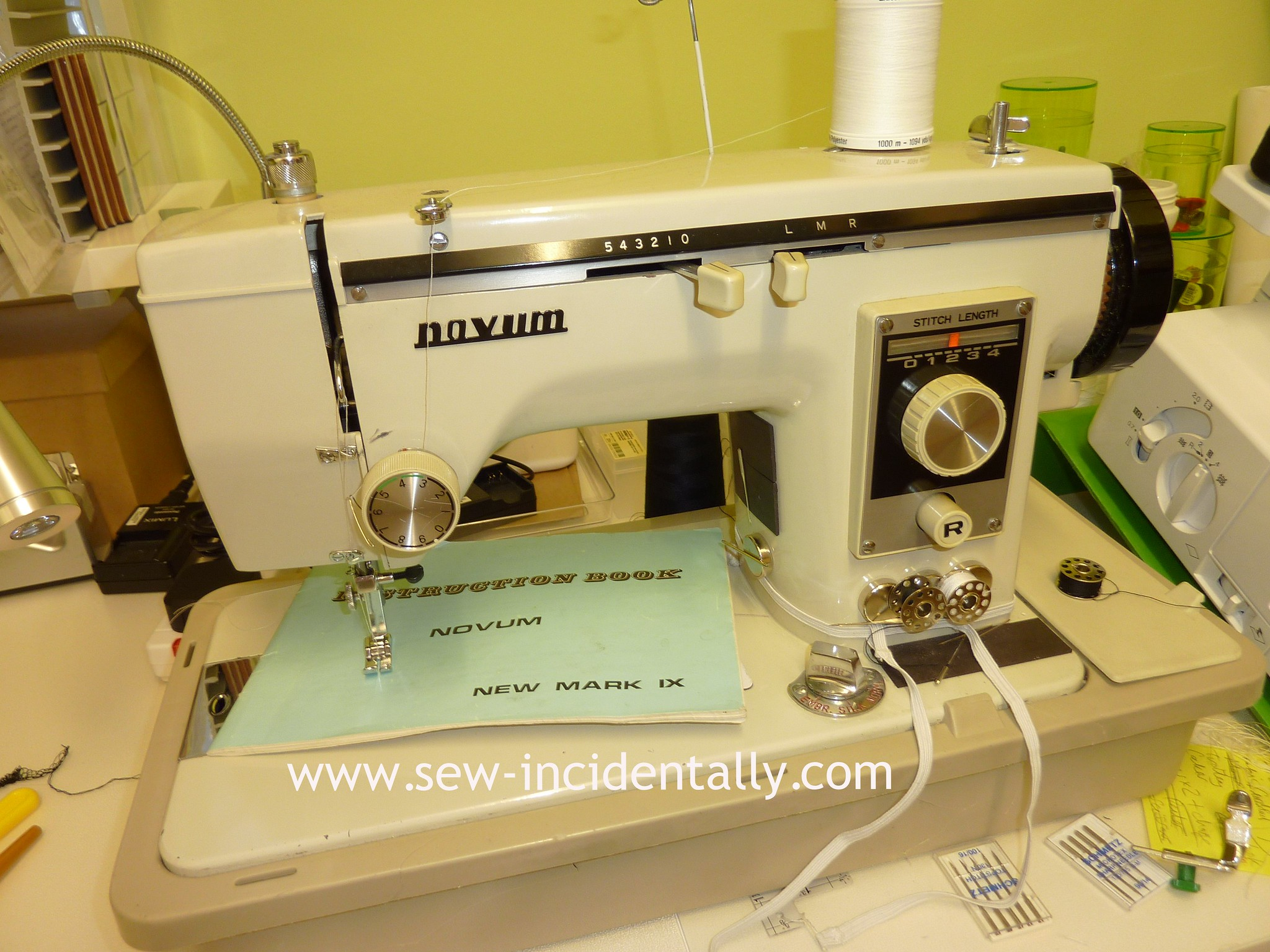 Novum New Mark IX - Sewing Machine