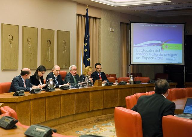 El ministro del interior presenta el balance del tr fico for Escuchas del ministro del interior