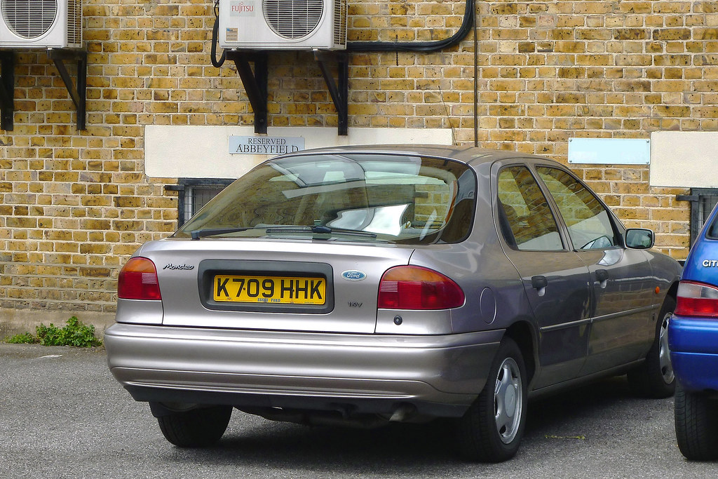 1993 ford mondeo 2 0 ghia first registered on the 8th of a flickr. Black Bedroom Furniture Sets. Home Design Ideas