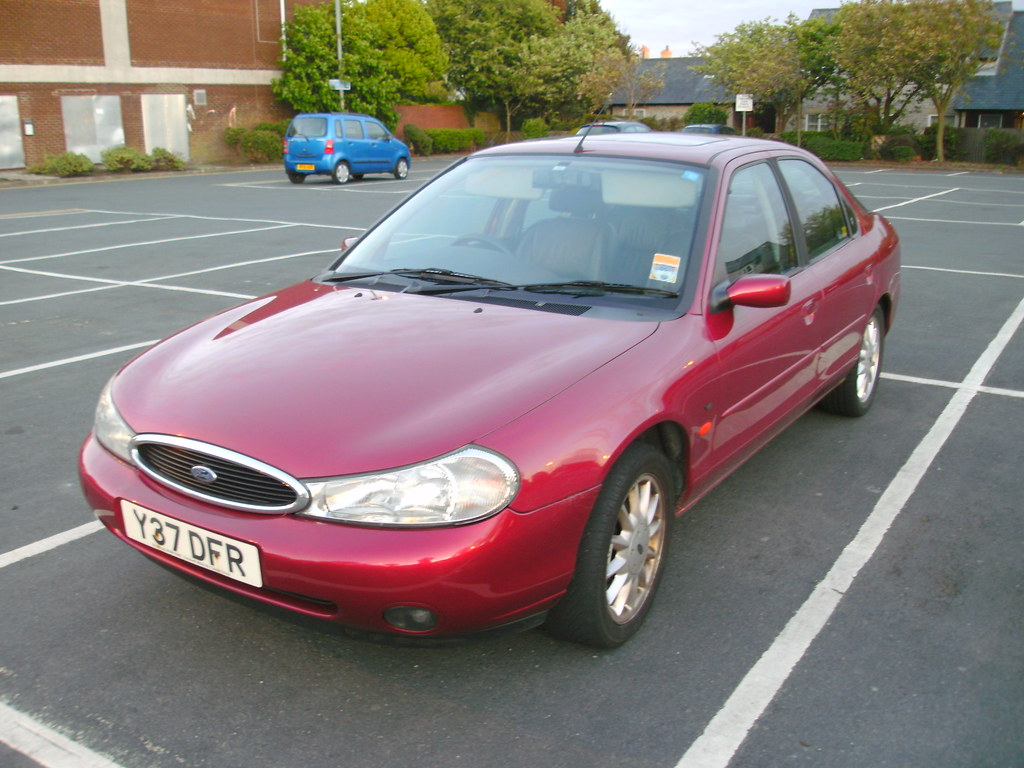 2001 ford mondeo ghia x 2 5 v6 auto mk2 i thought this was flickr. Black Bedroom Furniture Sets. Home Design Ideas