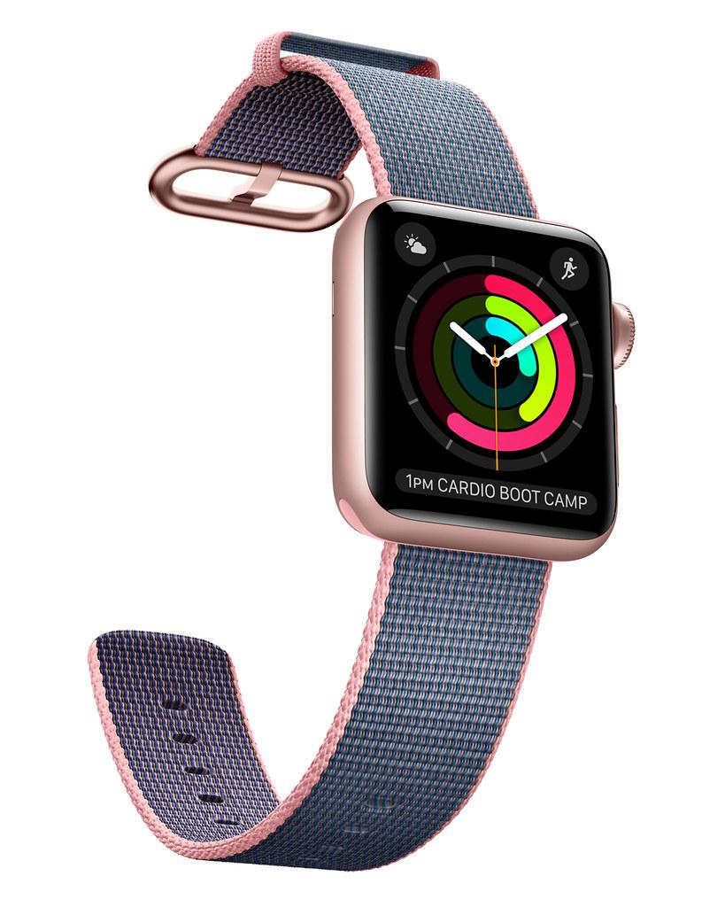 Часы Apple Watch 2 следят за сердцебиением