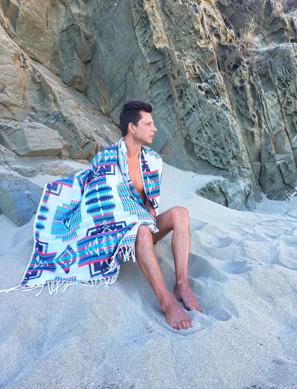 beach_blanket_Tinos