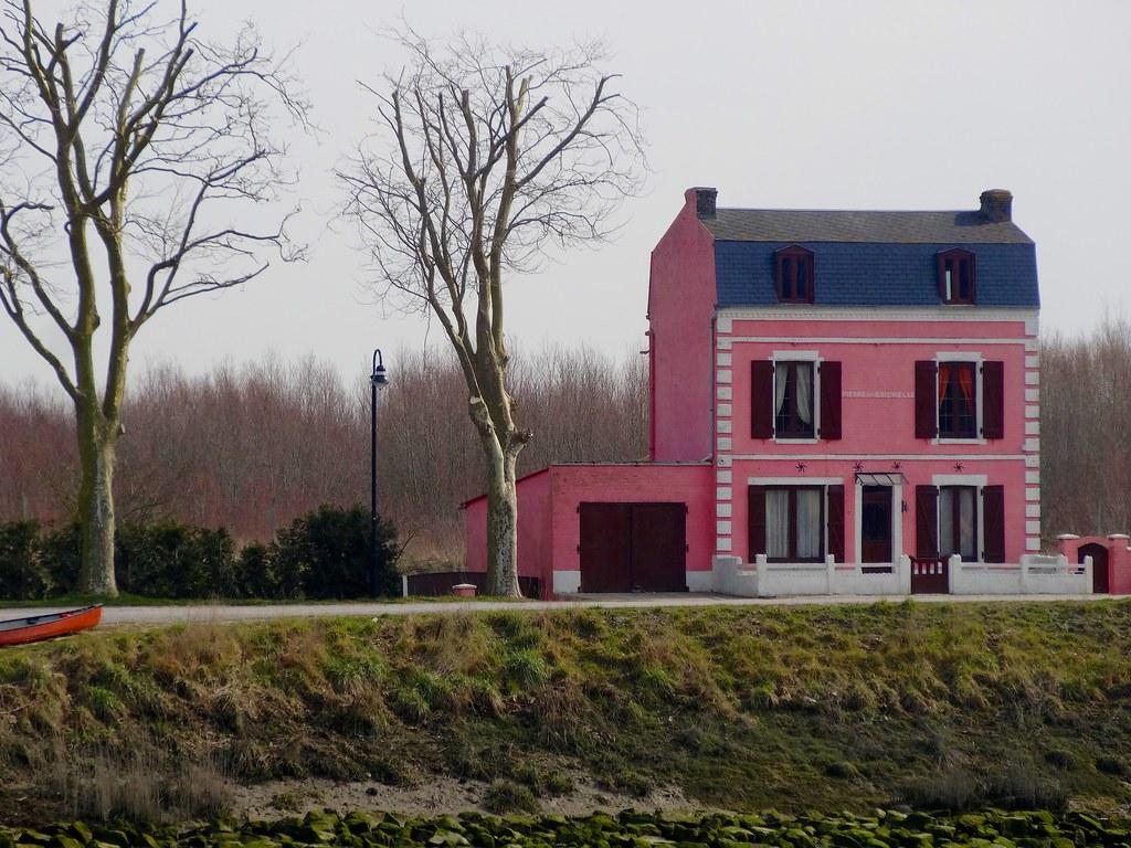 La maison rose saint valery sur somme jean yves for La maison rose lourmarin