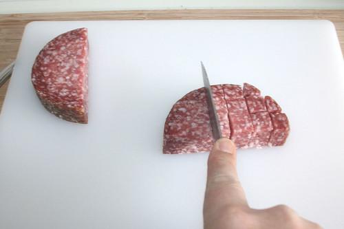16 - Salami würfeln / Dice salami