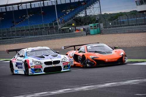 Fernando Monje - Gustavo Yacamán, BMW M6 GT3 - Michael Benham - Duncan Tappy, McLaren 650 S GT3, International GT Open, Silverstone 2016