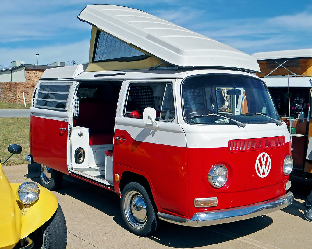 Vintage Volkswagen Bus T2 Model | A T2 model was among the V ...