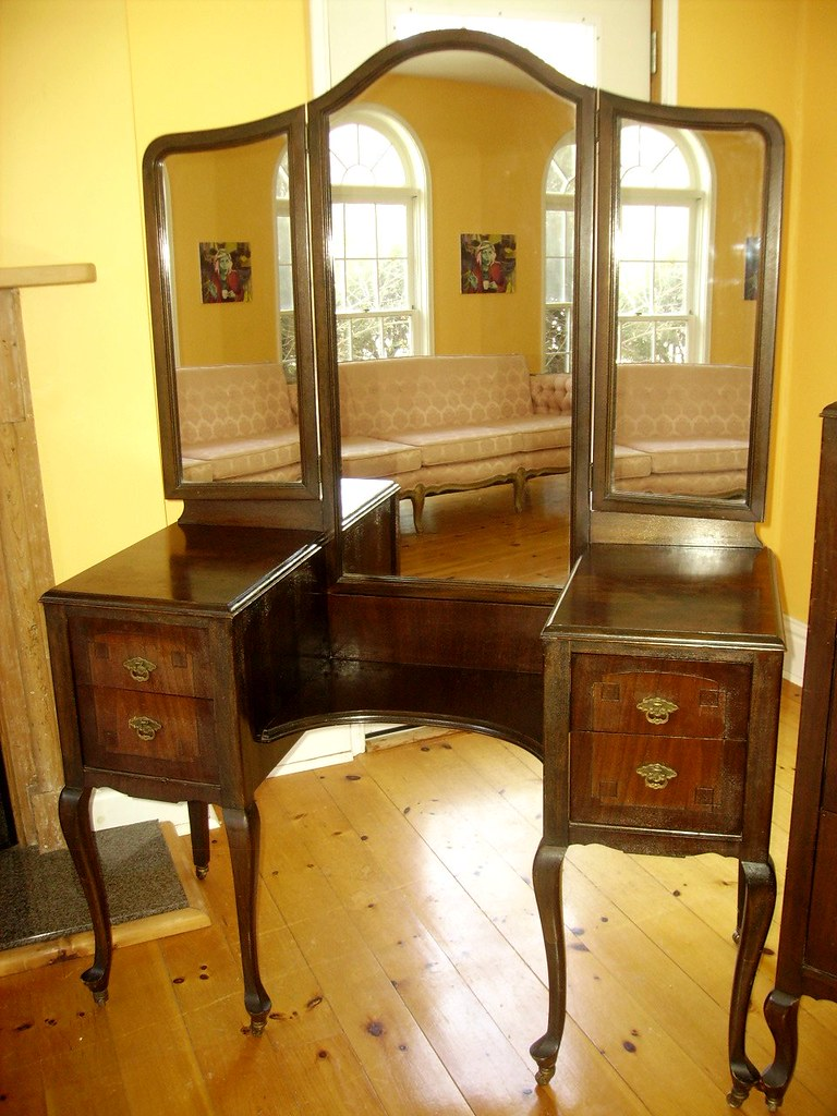 Available Now Antique Triple Mirror Vanity Queen Anne Styl