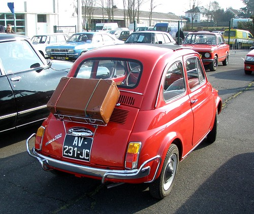 fiat 500 rouge avec porte bagages et valise 7 avril 2013 flickr. Black Bedroom Furniture Sets. Home Design Ideas