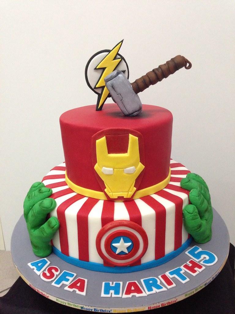 Cake Design Avengers : Avengers Cake Asfa Tracey Chooi Flickr