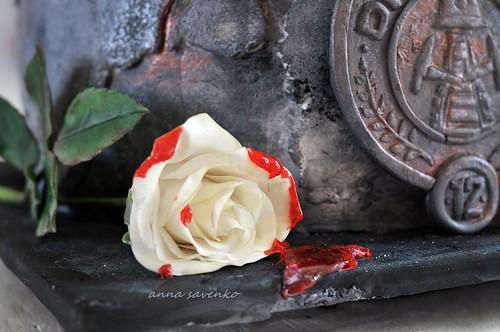 Rose of President Snow. | The hunger games cake. | Flickr