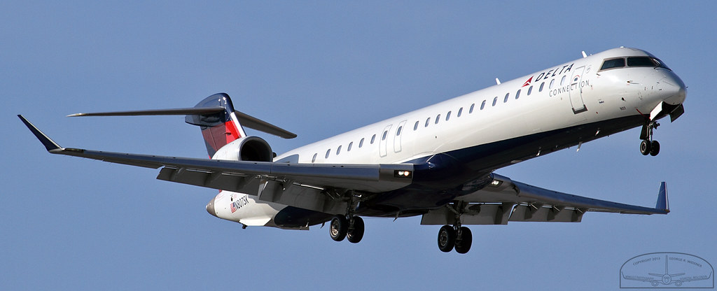 Delta Connection - SkyWest Airlines Photos | Airplane-Pictures.net
