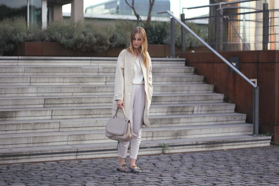 outfit all white blogger german style casual
